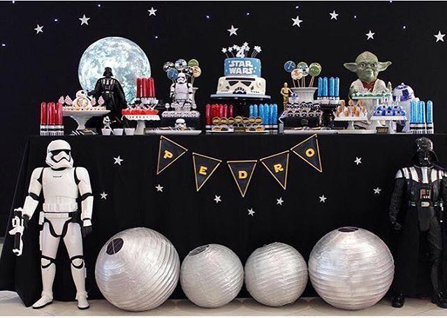 Tema: Star Wars! Decor linda by @marciadaltozo com todas as peças @popmobilelocacao ! #Loucaporfestas #SãoPaulo #festa #party #decor