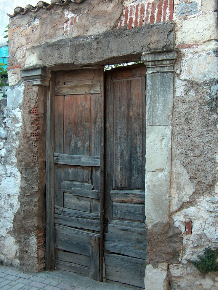 Stay on the combinations of the materials that around the wooden door...