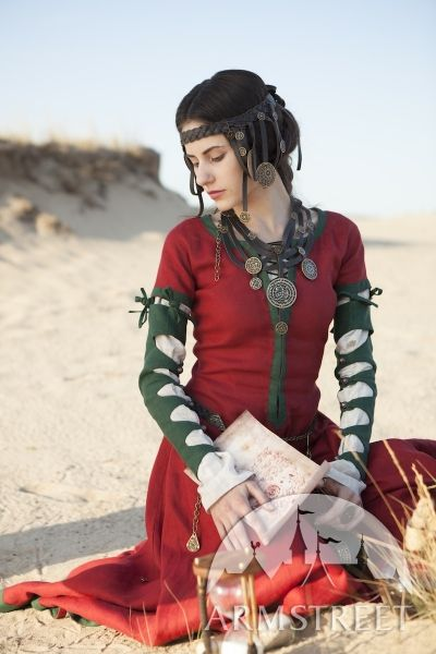 Robe fantastique en lin « Fille de l'Alchimiste » d'ArmStreet