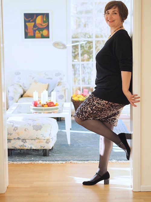 genau so setzt man sch ne schlanke beine sexy in szene. Black Bedroom Furniture Sets. Home Design Ideas