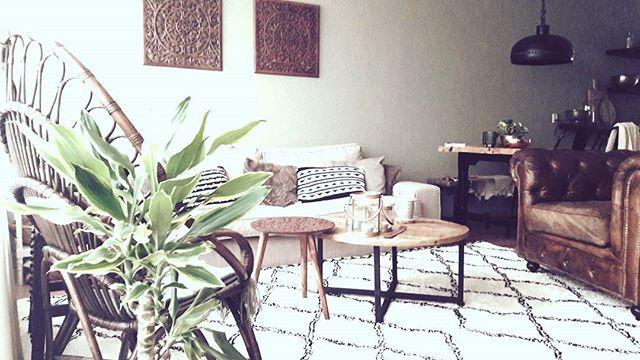 ♡ #myhome #homedecor #decorations #myinterior #homestyling #interior123 #interiorforyou #myinterior #decorations #bohostyle #bohointerieurs #bohochair #interior4all #woonideeen #binnenkijken #karwei #vloerkleed #chesterfieldsofa