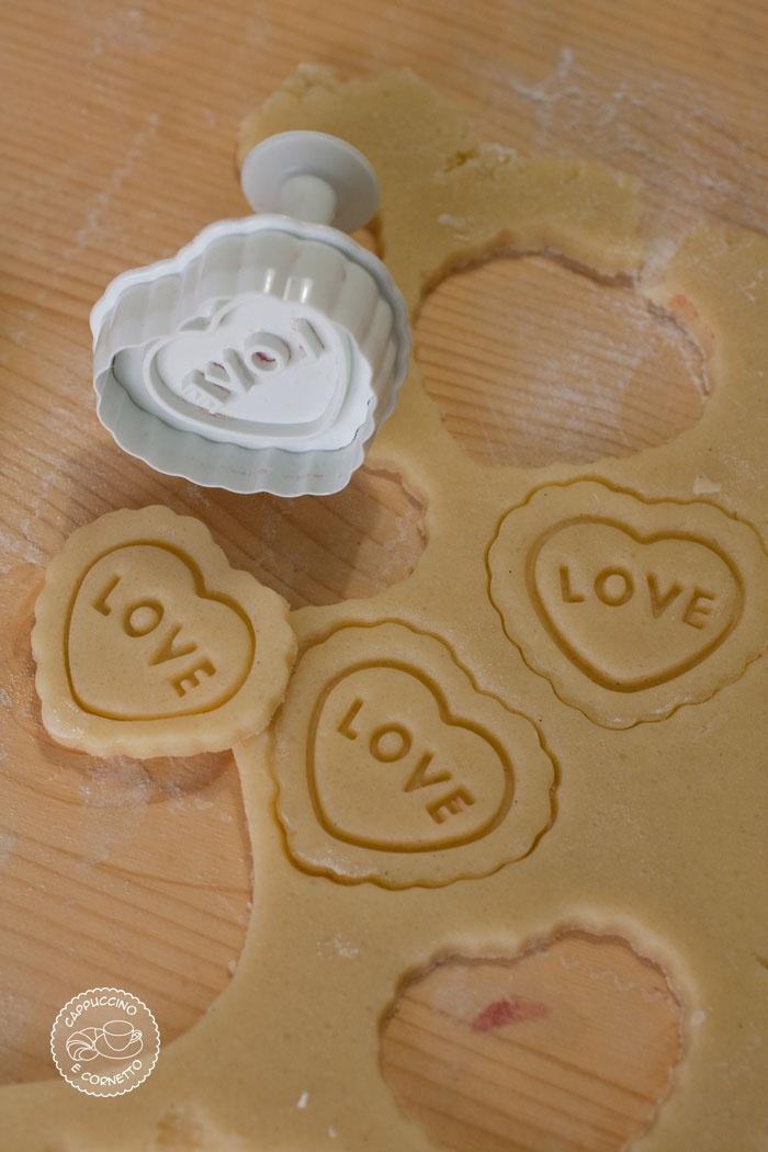 Biscotti-cuore-stampino