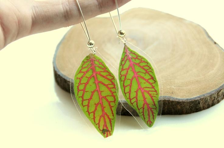 Gedroogde bladeren oorbellen - echte gedroogde plant juwelen. €14,00, via Etsy.
