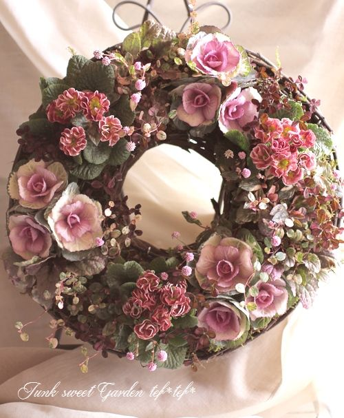 「Junk sweet Garden tef*tef*」で取り扱う商品「tef*tef*寄せ植えリース<BR>2014 * no.54 *<BR><BR>『葉牡丹×プリムラ・チョコ』」の紹介・購入ページ