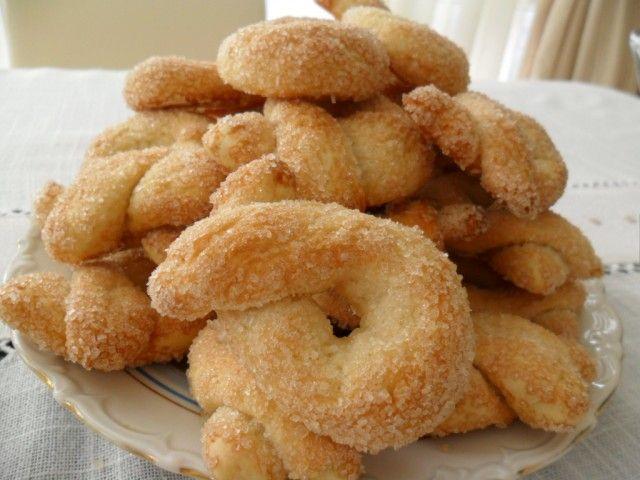 Вкусное сахарное печенье: простой рецепт всего из трех ингредиентов!. Знаете ли вы чем завтракали американцы во времена Великой депрессии? 93-летняя Клара, детство и юность которой пришлись на это смутное время, рассказывает, что в будние дни это были обычная булочка и…