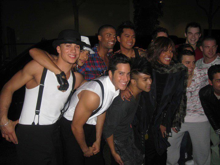 "Whitney Houston with her back-up dancers following her performance on ""Dancing With The Stars!"" (2009) Both in white shirt: Timor Steffens and Shannon Holtzapffel. Watch 'Million dollar bill' on https://youtu.be/zyryWmryMuc"