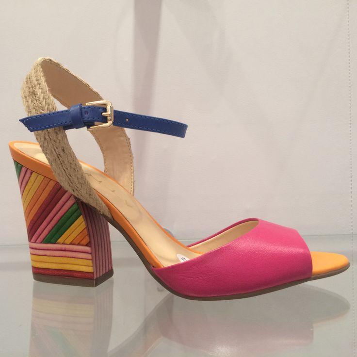 A volta da sandália gladiadora e mais 7 tendências que vão tomar conta dos calçados de verão 2016, segundo a Francal | COLOR BLOCKING