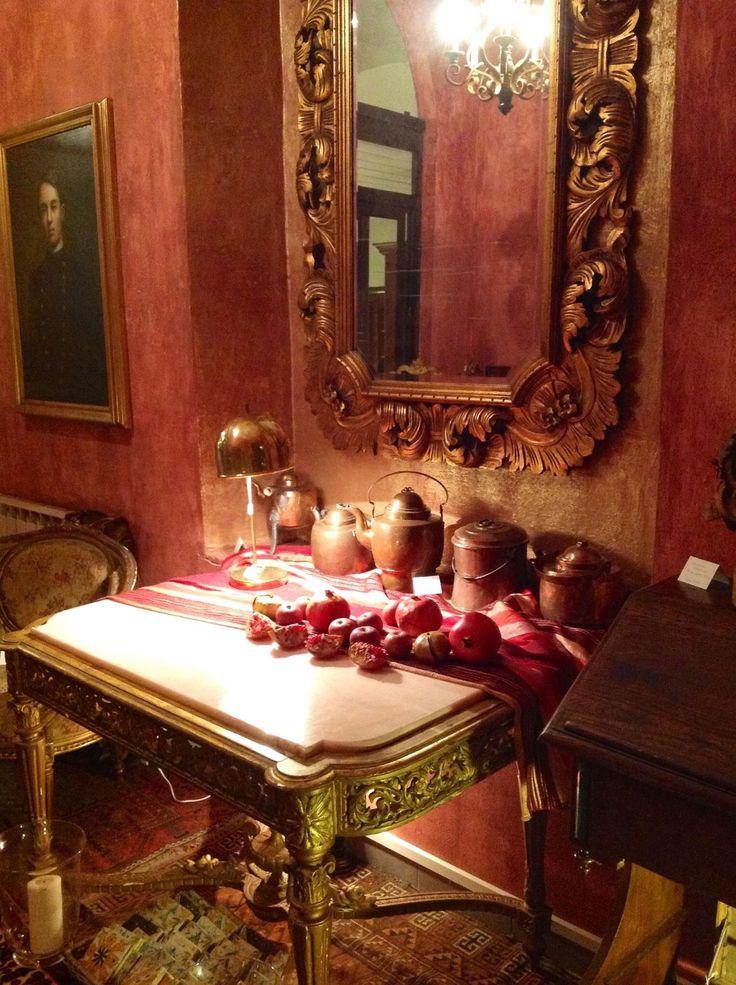 Ingresso con Consolle inizio 700 e grande specchio neoclassico