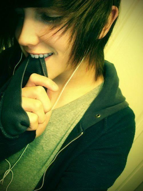 Hot Emo Boy.Enjoy more at my EMO BOY DIARY. Cute emo boy biting his sweatshirt sleeve :D so adorable