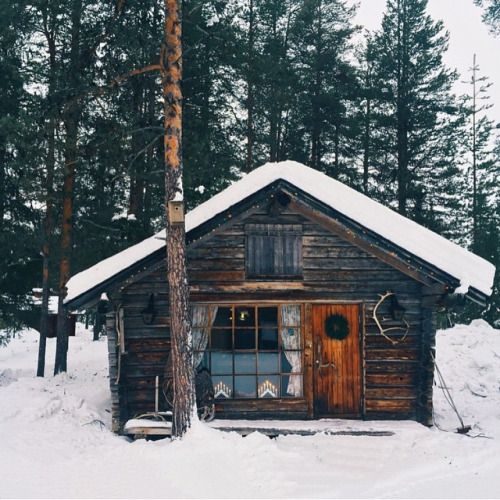 folklifestyle:Okay, I said there would be no more snow, but this...                                                                                                                                                     More
