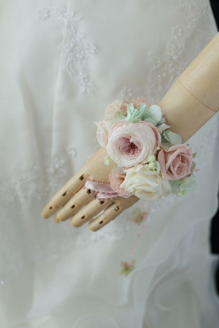 プリザーブドの花冠と手首の花飾り ニュアンスカラーで秋らしく ニューオータニ様へ : 一会 ウエディングの花