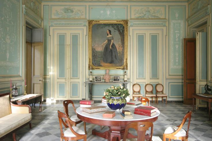 Girondine Stately Home for sale in the Gironde, Aquitaine, south west France - with AOC Bordeaux Vineyard, pavillions, underground quarry, view of the estuary, wine chai, proximity to Bordeaux.