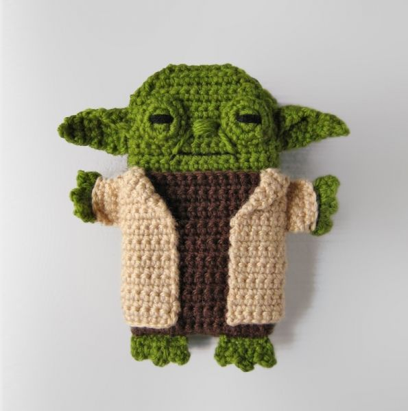 Star Wars - Yoda - iPhone 5, 6, 7 case crochet pattern by Anna Vozika