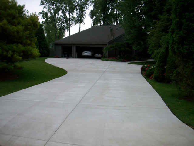 Concrete Driveway Design Ideas give your concrete a finished look with a bordered edge just adding the element of a 6 border will make your driveway look more elegant Drivewayjpg 640480 Driveway Designconcrete