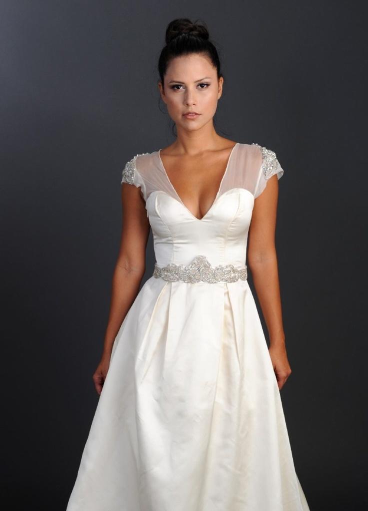 Beautiful dress!  http://www.weddingthingz.com/1/post/2013/04/wedding-dress-wednesday-rania-hatoum.html