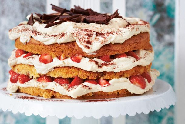 Unser beliebtes Rezept für Tiramisu-Torte mit Erdbeeren und mehr als 55.000 weitere kostenlose Rezepte auf LECKER.de.