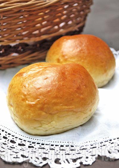 """C'est via Pinterest  que je suis tombée sur cette recette de pains hamburger , que je devrais plutôt appeler """"petits pains magiques"""".  Ha..."""