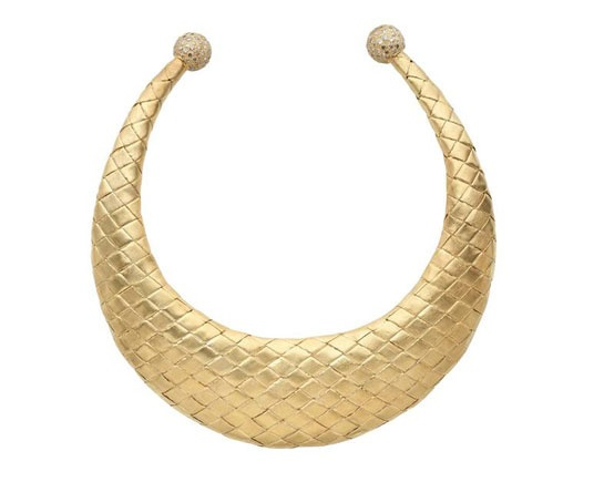 Torques antiques: collier doré Gold Rush de Sylvie Corbelin http://www.vogue.fr/joaillerie/shopping/diaporama/torques-antiques-colliers-dores-ilias-lalaounis-zolotas-saint-laurent-sylvie-corbelin/13046/image/750397#!torques-antiques-collier-dore-gold-rush-de-sylvie-corbelin