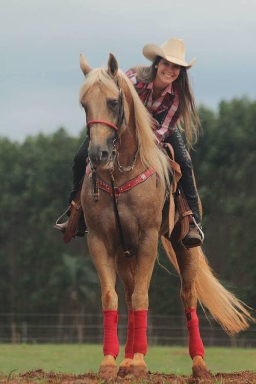horseloverclub:  Beautiful Cowgirl.