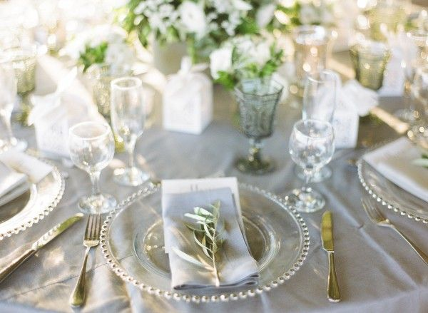 Pantone set the colour of the year: Green. don't be afraid to incorporate it in your wedding whether it is the decor, the stationary or even with small touches in your man's or bridesmaids' attires   chick and trendy wedding in Greece