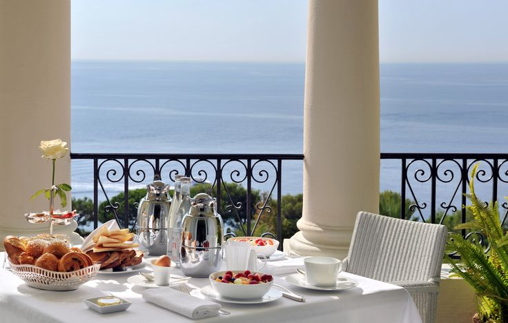The best you could imagine traveling for a week end in Nice - In-Room breakast with a view