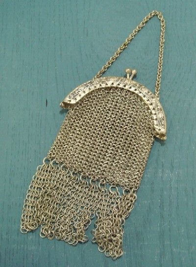 vintage purse - have one of these!