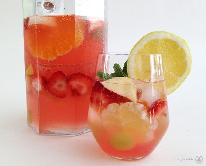 """""""De roze dame…"""" http://www.angelesearth.com/persoonlijk/de-roze-dame-sangria-zonder-alcohol/"""