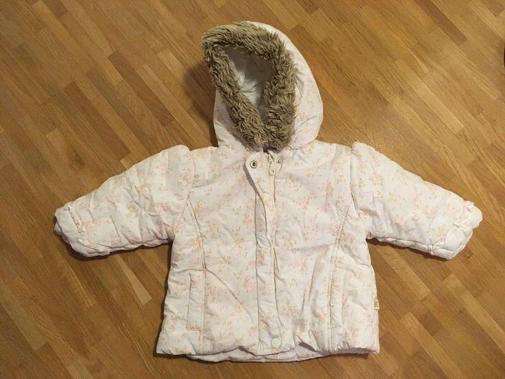 Mein Kanz Jacke Gr. 74 Mädchen weiß mit floralem Muster von Kanz! Größe 74 für 15,00 €. Schau´s dir an: http://www.mamikreisel.de/kleidung-fur-madchen/jacken/48599144-kanz-jacke-gr-74-madchen-weiss-mit-floralem-muster.