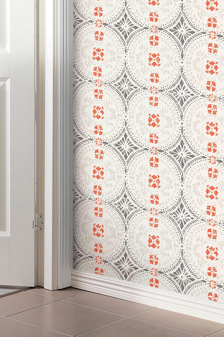 Klassisk papirtapet produsert i Sverige. Nøye gjenskapt etter originaltapeter fra 1700- til 1900-tallet. Tapetene produseres med hensyn til miljøet, tåler å vaskes med såpe og vann og har en høy lysekthet. Rullengde 10,05 m, bredde 53 cm. Mønsterhøyde 53 cm, 53 cm mønstertilpasset. Rett mønstertilpasset. Møblene på bildet selges ikke på Ellos.