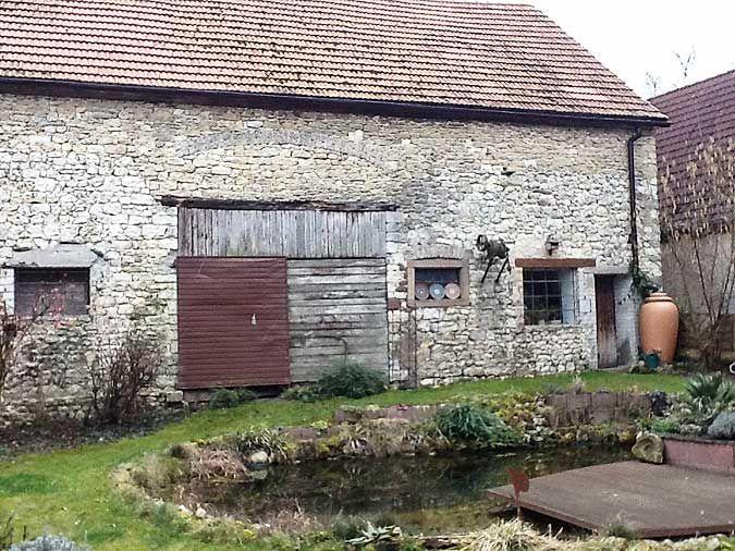 Kreative Idee Gartenhaus eingebaut in einer alten Scheune