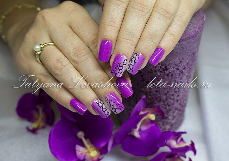 Фото 60: Наращивание ногтей гелем, фиолетово-сиреневый градиент (омбре), прорисовка