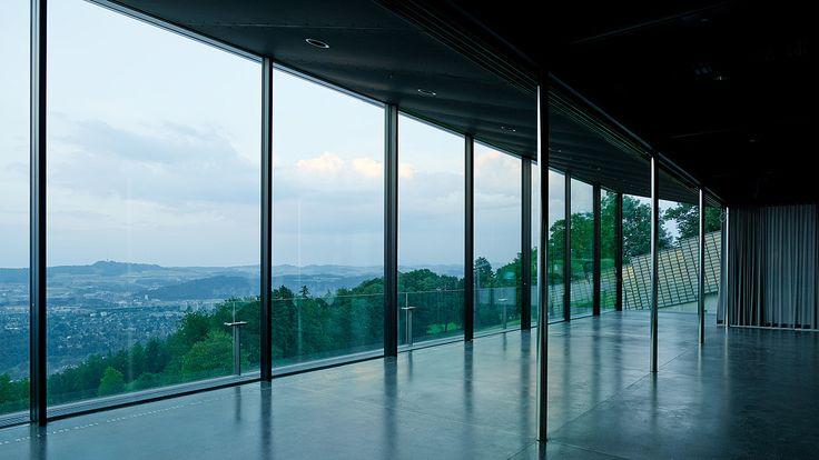 Gurtenpavillon Bern, motorisierte Schiebeflügelanlage ergänzt mit manuellen Schiebeelementen - air-lux.ch