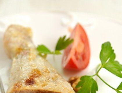 Куриные окорочка, фаршированные черносливом и грецкими орехами