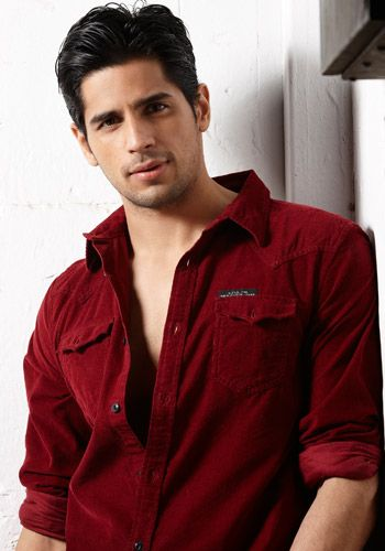 Siddharth Malhotra looks super hot. find his more details related to birthday,age  #siddharthmalhotraage #siddharthmalhotrabirthday