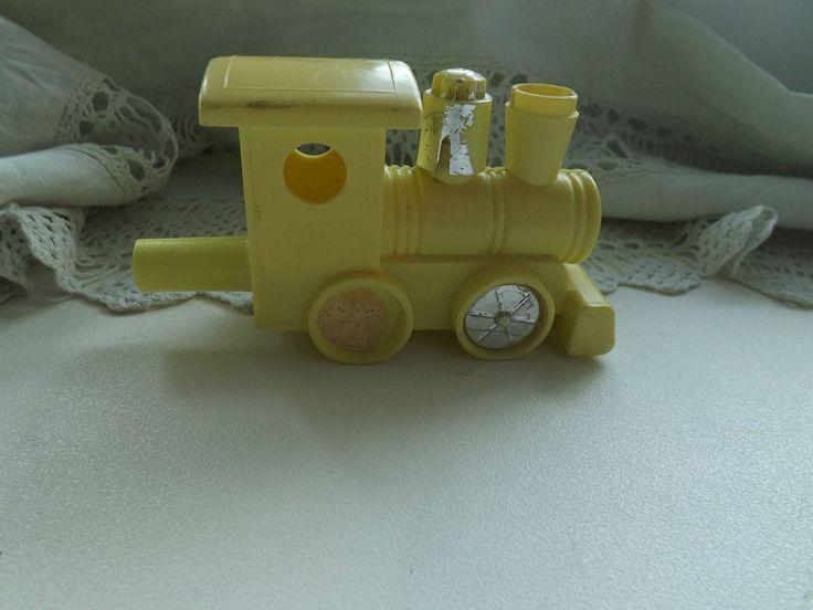Жёлтый пластмассовый поезд. Поиск вещей из детства - http://doska-obyavleniy-detstva.blogspot.ru/