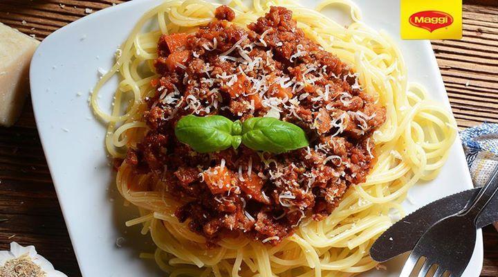 Delicious Pasta Bolognese with MAGGI Ideea Zilei