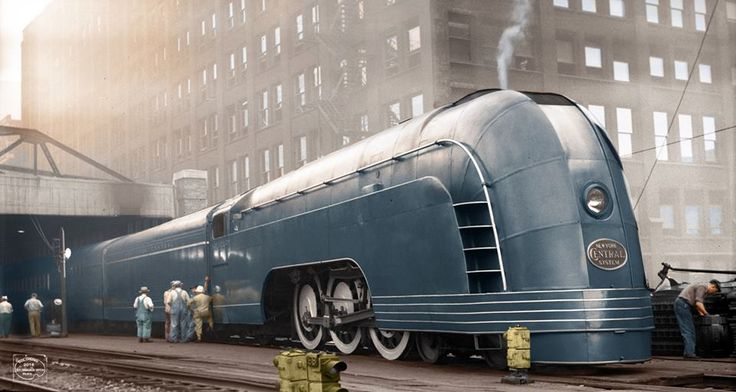 whiskeyandgrit: 1936 - Mercury train in Chicago