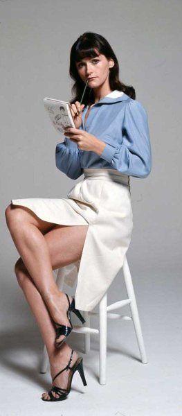Margot Kidder la que se quedaría con el personaje debido a su sentido del humor, que supo incorporar a su personaje. Entre sus interpretaciones más recordadas destaca su participación en dos películas de culto como Sisters (1973), una de las películas más interesantes de Brian de Palma, y The Amityville Horror (1979, Stuart Rosenberg