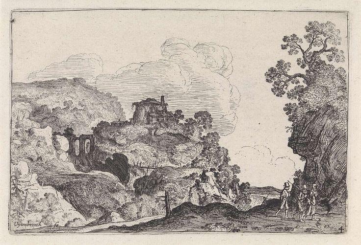 Anonymous | Rotsachtig landschap, Anonymous, Moyses van Wtenbrouck, 1613 - 1650 | Drie mannen met hoge hoeden en stokken lopen in een rotsachtig landschap met een rond gebouw en een boogbrug.