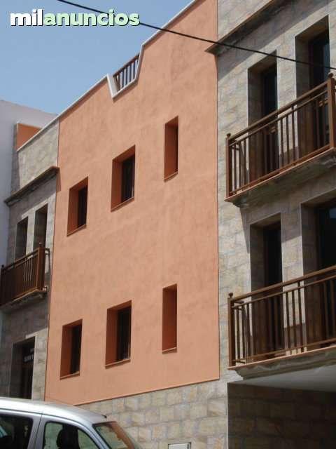 CALLE NUEVA 32. Alquiler-larga-duracion de piso- plaza de garaje incluida en el precio,todos los servicios caminando,cerca Colegio Casa Azul, alrededores Puerto de la Cruz con 65 m2, 1 dormitorios, 2 armario(s) empotrado(s), Amplia terraza comunitaria, Descubierta, Orien