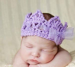 LE GATTE COI TACCHI: Schema corona all'uncinetto per neonata