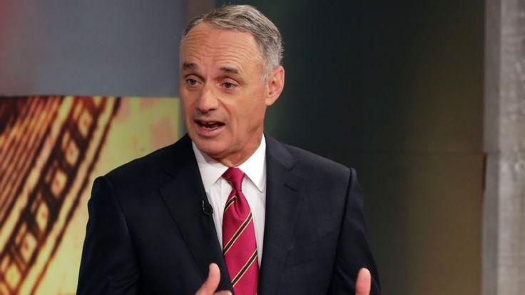 """Manfred: """"Consideriamo un limite per l'uso dei rilievi"""" Il Commissioner Rob #Manfred ha orecchie per tutto e considera una nuova idea: un limite nell'uso dei rilievi. I dettagli di questa inconsueta proposta è su #MLB Italia."""