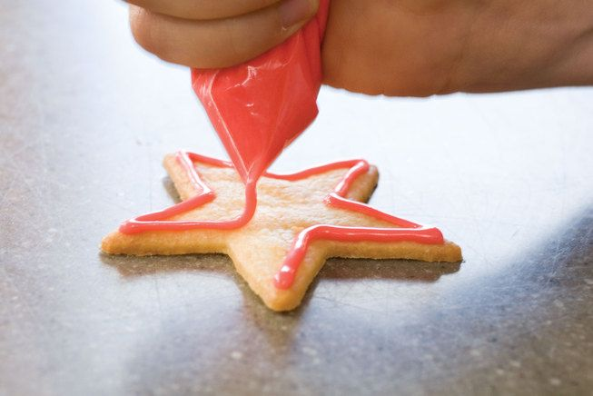 How to bake and decorate Christmas cookies!