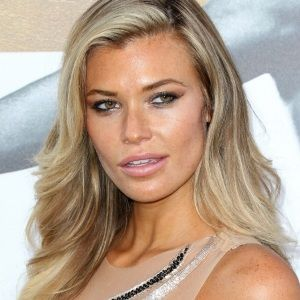 Samantha Hoopes (American, Model) was born on 10-02-1991.  Get more info like birth place, age, birth sign, biography, family, relation & latest news etc.