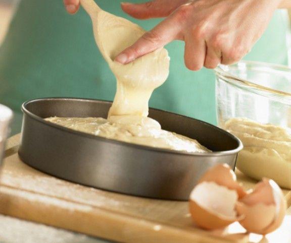 http://www.mindmegette.hu/Akik gyakran sütnek,tudják: mindegy, hogy piskóta, pite vagy hajtogatott vajas tészta: kell egy jó alaprecept, aztán a variációk számának csak a képzeletünk szabhat határt. Akik pedig egyáltalán nem sütönek süteményt, vagy csak nagyon ritkán, tudják: egy biztosan jó, többször, többek által kipróbált alaprecepttel garantált a siker. A most következő 11 recept tehát mindenkinek jó szolgálatot tehet - próbáljátok ki mind!