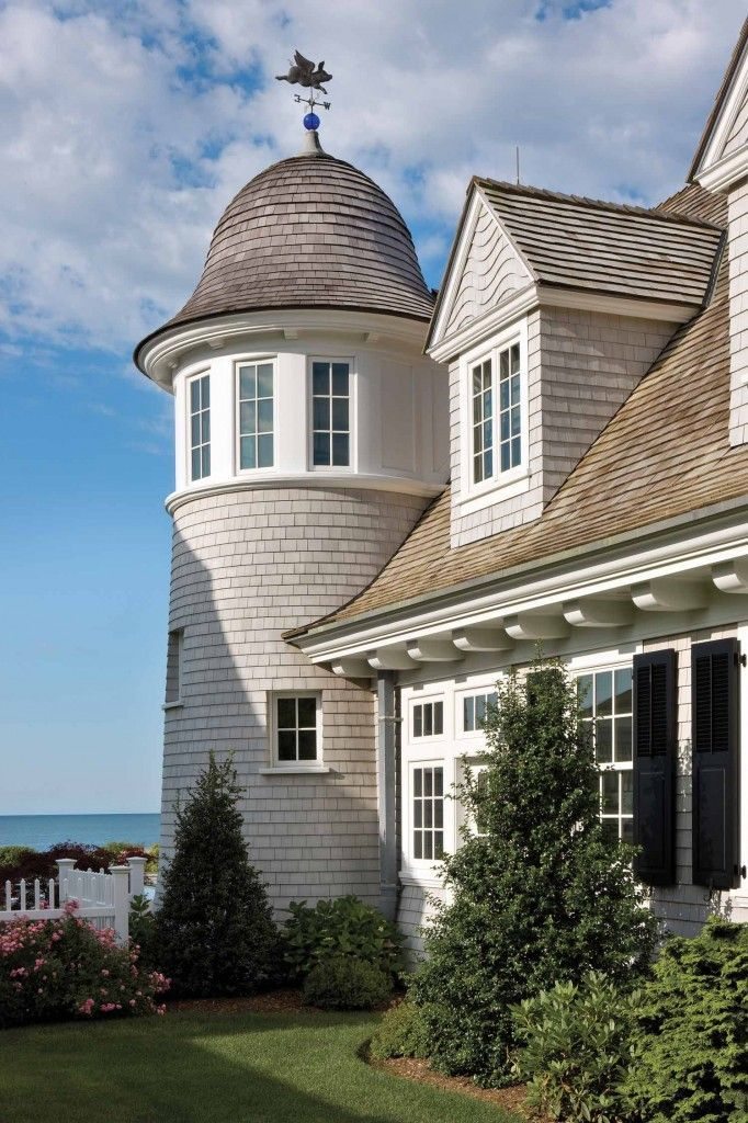 New England Classic Design Inspiration To Think Summer Now Nantucket Home Nantucket Style Homes Dream Beach Houses