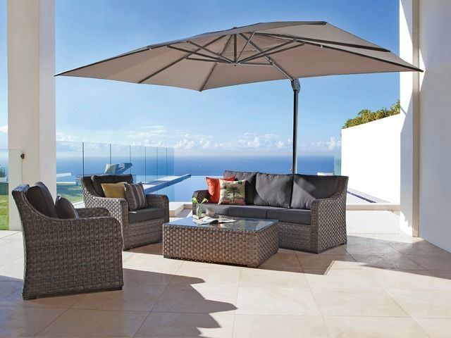 The Savannah is a premium cantilever-style or sidepost umbrella with all the features you could ever need and at an affordable price. Available at Shade Australia - Perfect for pools!