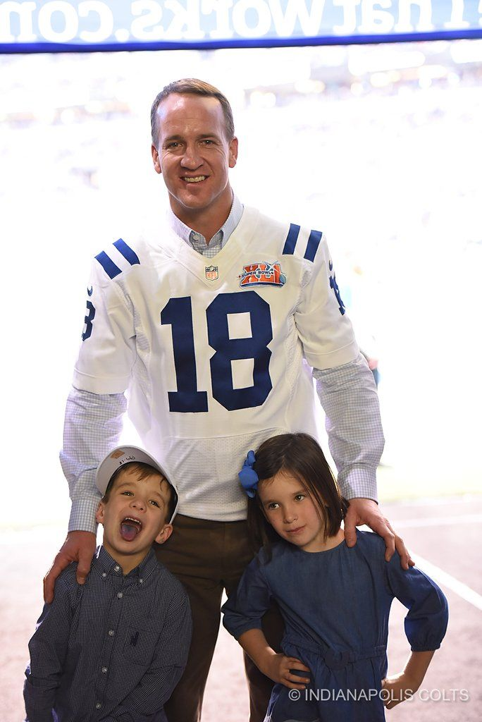 Peyton and his kids at the Colts reunion party 11-20-16