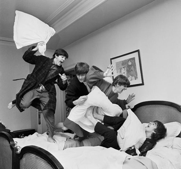 ♡♥The Beatles pillow fight from their first USA tour in 1964 - click on pic to see many more pics from the Beatles first USA tour in 1964♥♡