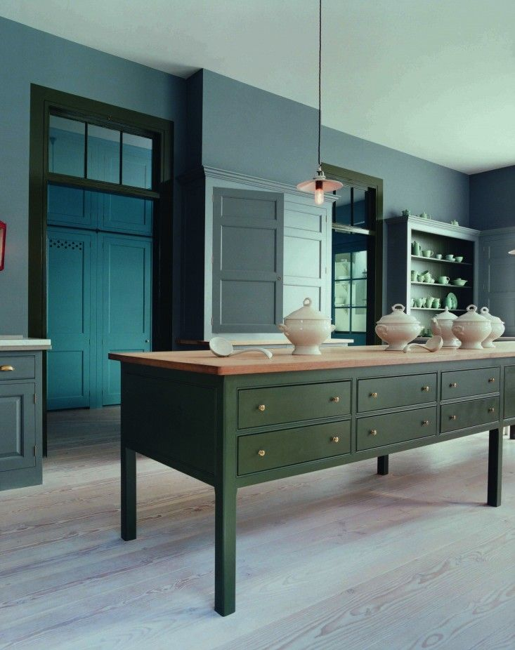 Plain English is a traditional joinery company that makes beautiful bespoke kitchens and cupboards in the UK. Simple and honest in design, a...